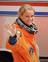 STS-127 Julie Payette